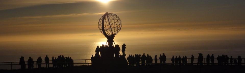 12.07.2010, Norwegen, Nordkap, herrliche Stimmung im Norden Europas, kurz nach Mitternacht